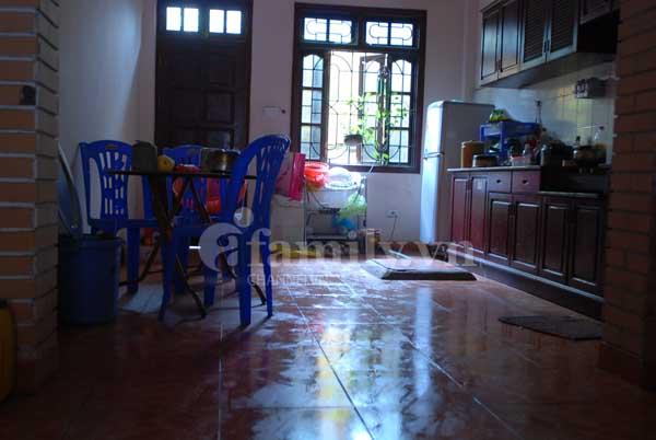 Nhà bị nồm, xử lý sao giờ?