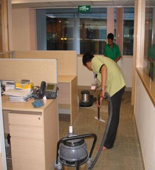 Công ty cung cấp dịch vụ vệ sinh chuyên nghiệp uy tín